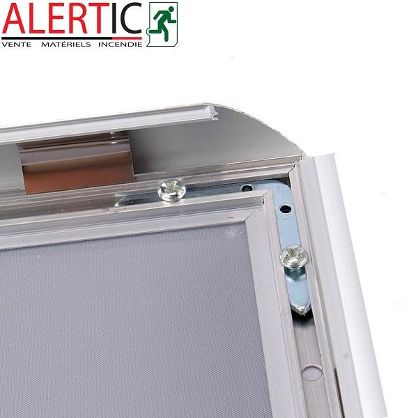 cadre aluminium clic clac argent format a4 alertic. Black Bedroom Furniture Sets. Home Design Ideas